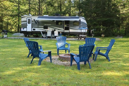 Luxury camping on the Cascade River