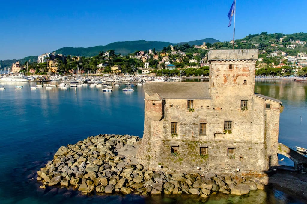 rapallo dating site Discover the best towns on the italian riviera - portofino,  famous for its vineyards dating back to the 12th  explore the vintage seaside town of rapallo.