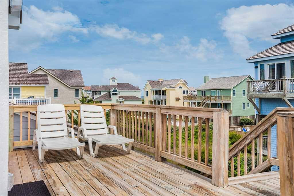 SS44: At The Beach | Top Level Deck