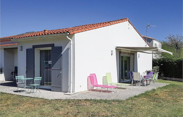 Stunning home in St. Palais sur Mer with 2 Bedrooms