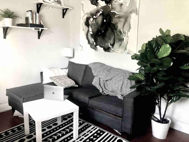 One bedroom Christie pits apartment