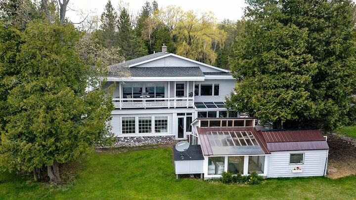 Peninsula House on South Bar Lake