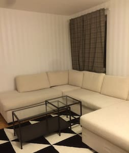 Modern flat - central location- - Jakobsberg - Apartment