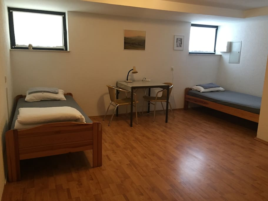 Zimmer / guest room 1
