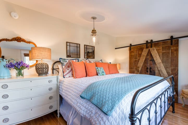 """Beautiful architectural details abound in this gorgeous, newly renovated 1927 Bungalow, completed August 2016. 4-5 BR, 2 full BA.Master BR features Beauty Rest Black KING Bed, 2 dressers, 32"""" Samsung TV."""