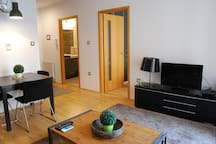 Modern One Bedroom Apartment in the Center with AC