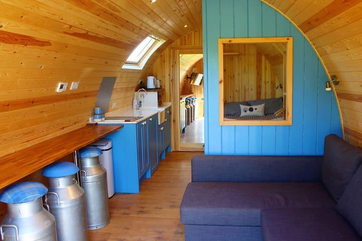 Bracken Cabin and hot tub