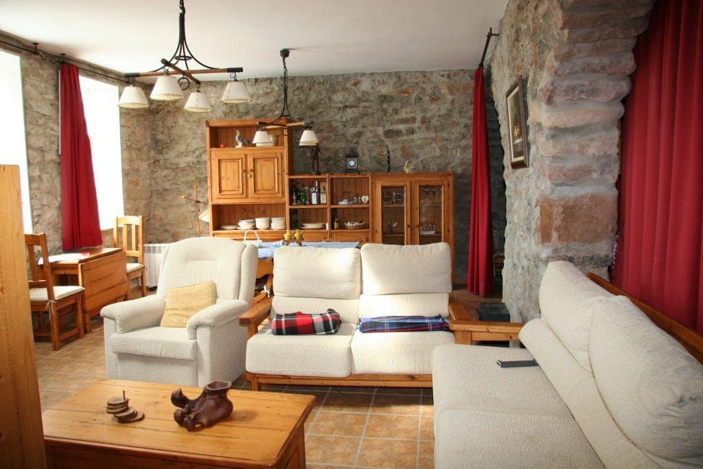 Casa rural en sierra espad n casas en alquiler en veo for Alquiler casa sierra madrid