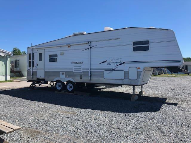 5th Wheel Camper in Rabbit Lake RV Park