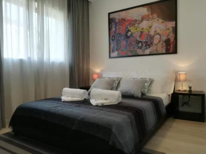 Íris Apartment Black