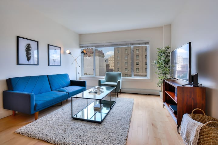 Luxury Nob Hill 1BR with City Views