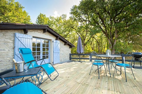 La Terrasse - A Peaceful Place in the Forest