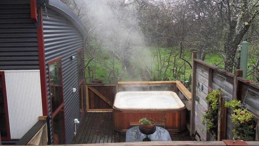 Texada Art Retreat;hot tub - Daylesford - Vila