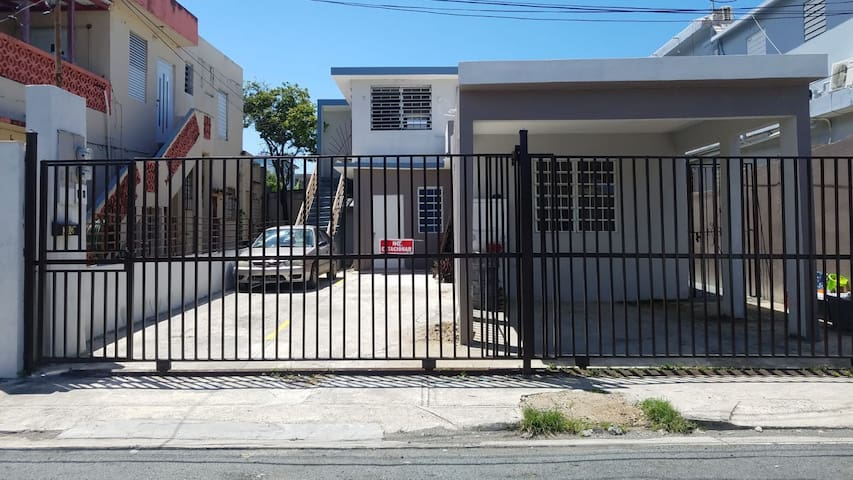Apartment with private parking close to airport