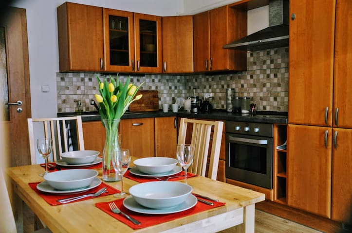 Charming, residential flat 10 min from city centre