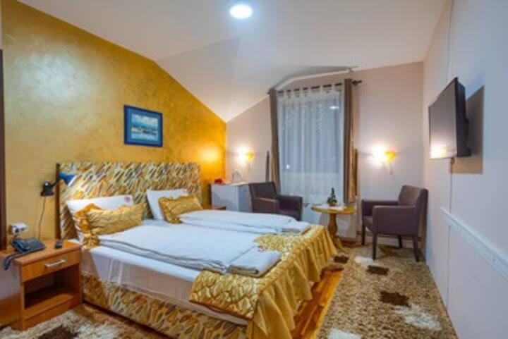 Dabic - Charming Room
