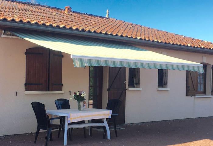 Spacious property St Ciers Sur Gironde