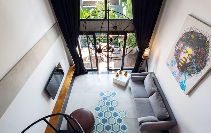 B34 Cozy Seminyak Loft with Balcony &  Kitchen