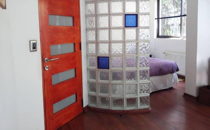 Bella y acojedora habitación