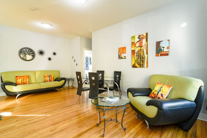 ⭐Beautiful room with Free str parking/Close to L⭐
