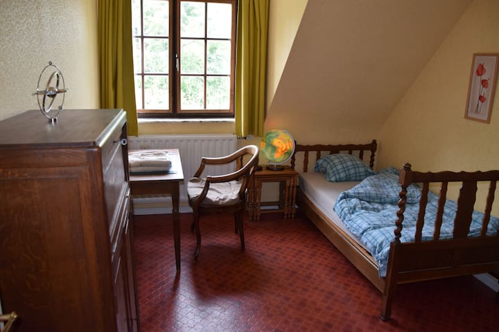 Villa Serck - Yellow room