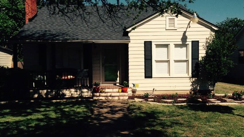 Vintage Vine - Abilene - Dom