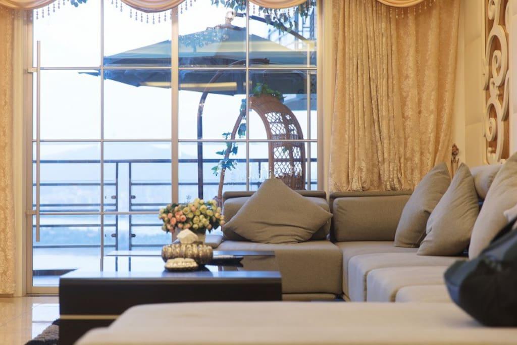 度假休闲伞,很有度假的feel,舒适宽大的晚安沙发,让每一次依靠更有品质