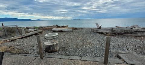 Sandy's Beach House @ Sandy Point