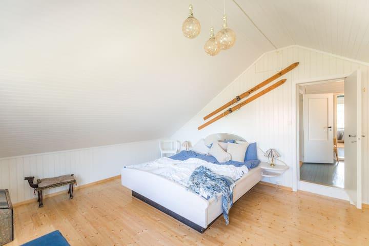 Second floor, double bed, bedroom 3