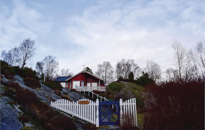 Stunning home in Sagvåg with WiFi and 2 Bedrooms