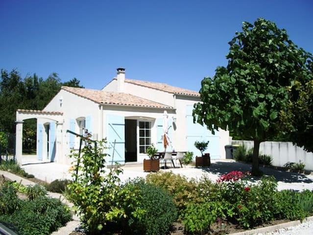 Maison très calme dans propriété proche Royan - Meschers-sur-Gironde - Casa