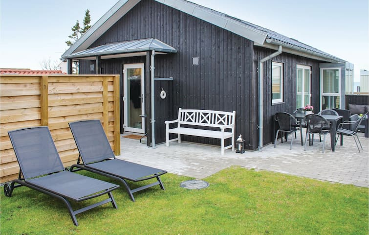Holiday cottage with 2 bedrooms on 65m² in Nyborg