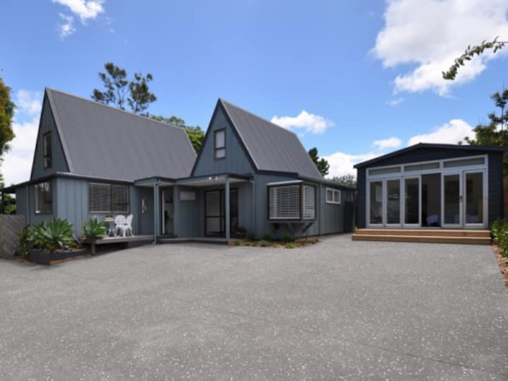 Pauanui Large Family Home