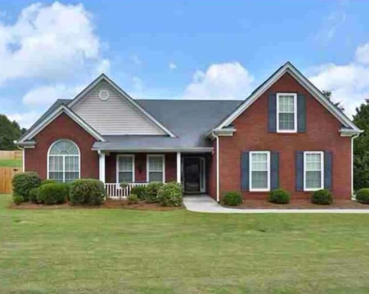 Beautiful home in Buford, GA 3 Bedrooms