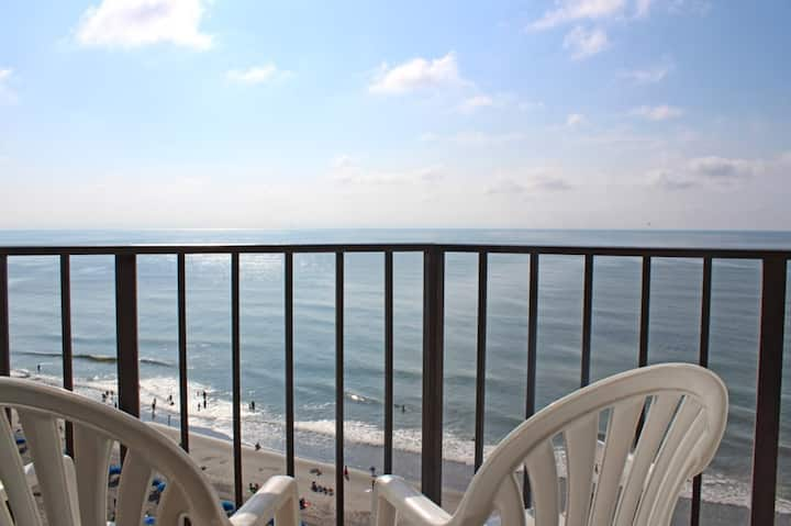 The Palace by Palmetto Vacations 1 Bedroom 1 Bath Sleeps 4