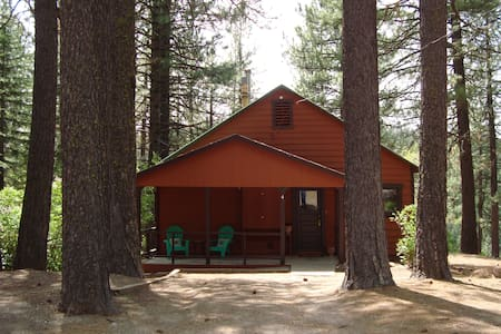 Delightful Cabin with Views of the Feather River - Graeagle