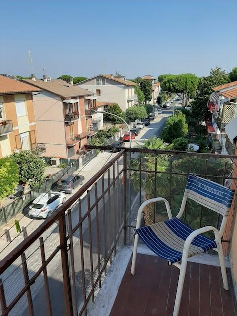 Grande appartamento marittimo con balconi