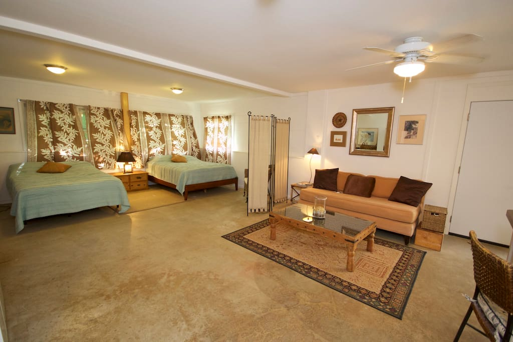 2 Queen Beds, large living area