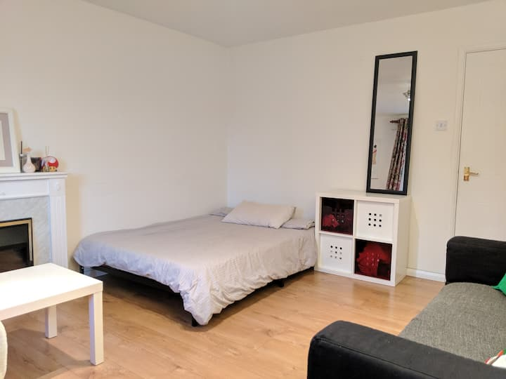 Double Bedroom -  Minutes from station