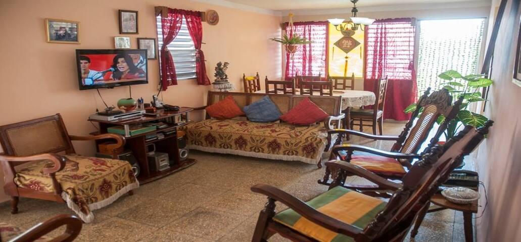 Ricardo's Apartment: apartamento cerca del Malecón