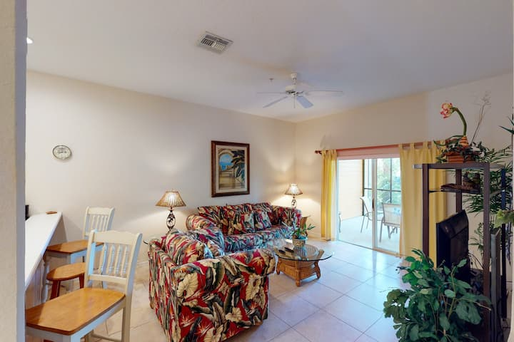 1st floor condo w/ basketball court, restaurant, tennis, limited-mobility access