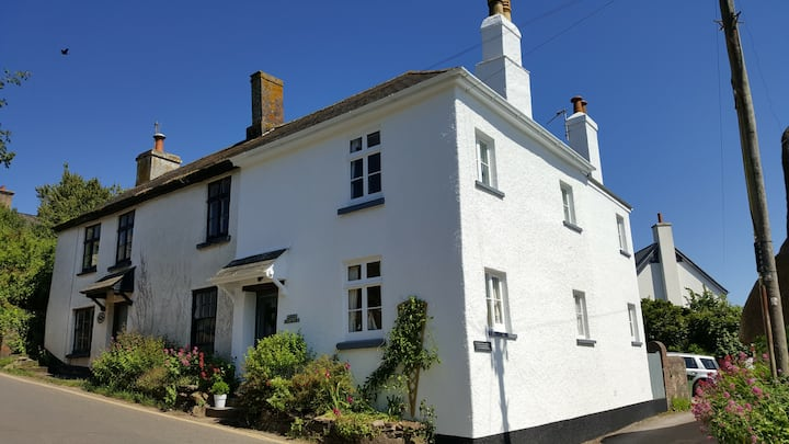 Thurlestone Devon Quaint Country Cottage Sleeps 6
