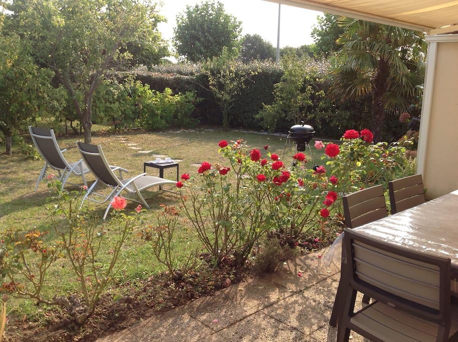 jardins clos avec terrasse