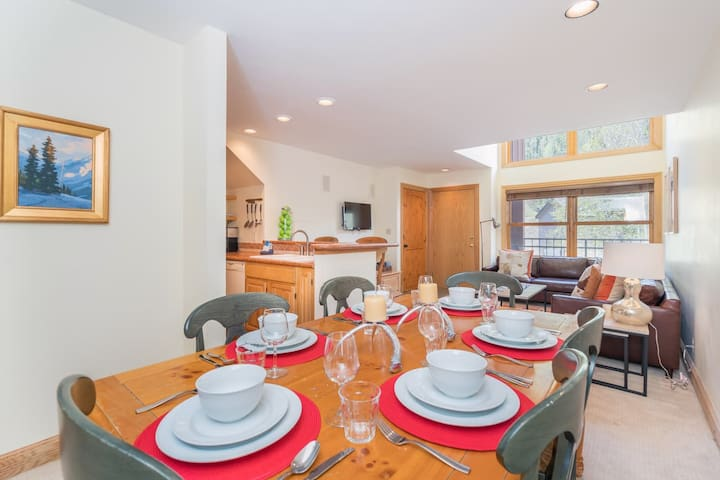 The open plan living, dining and kitchen.