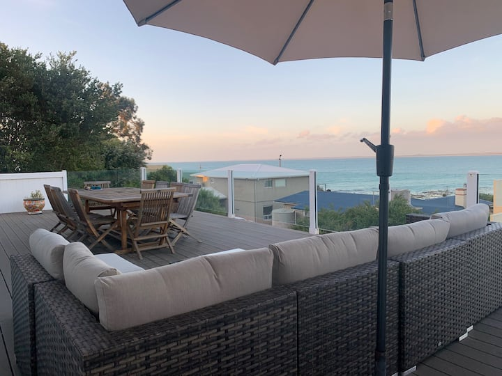 Hooper's View- Sea Views,  FREE WIFI!