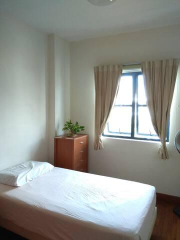 Great room in Bukit Timah