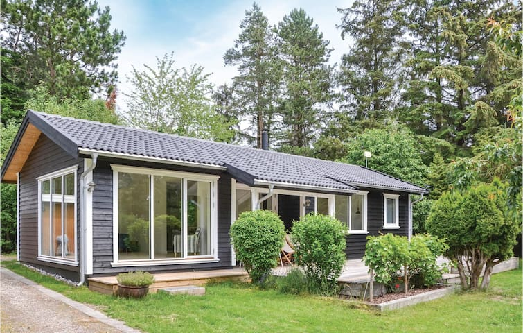 Holiday cottage with 2 bedrooms on 70m² in Gilleleje