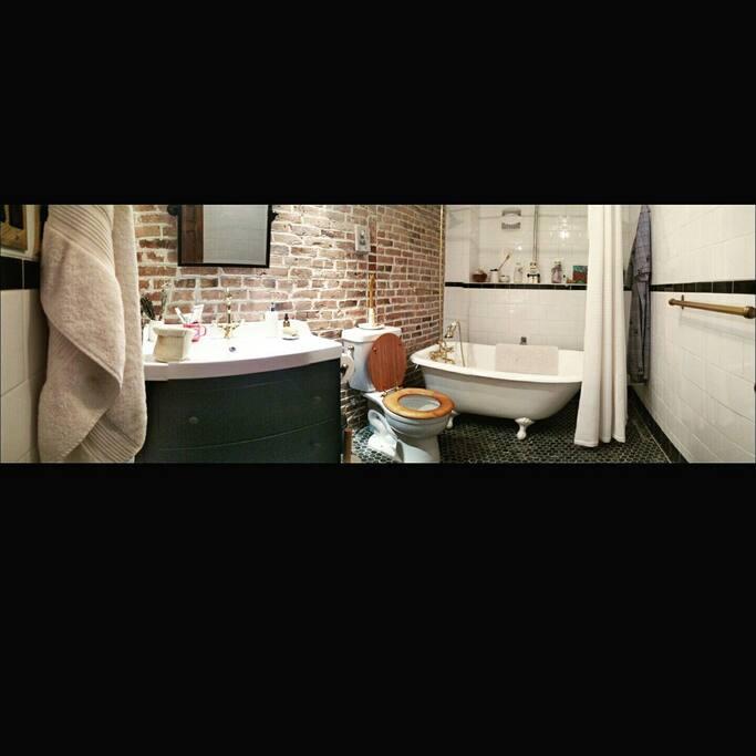 private bath room.