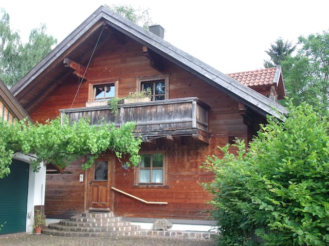 1 room, kitchen, bathroom, confortable framehouse - Starnberg