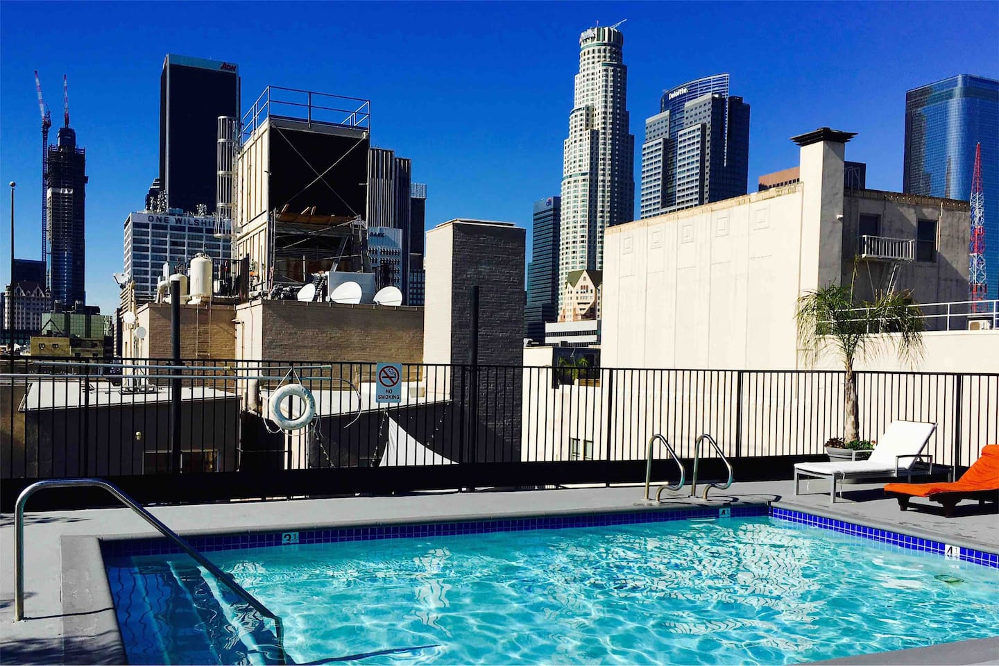 Your room keys grant you access to our rooftop pool deck, lounge and jacuzzi with a view of downtown Los Angeles! Open nightly until 10pm, midnight on weekends!